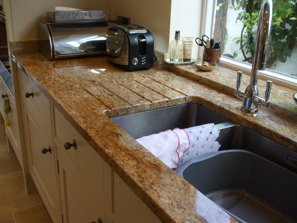 Kashmir Gold Granite Kitchen Natural Granite Worktops Kashmir Gold Granite Sink With D Flickr