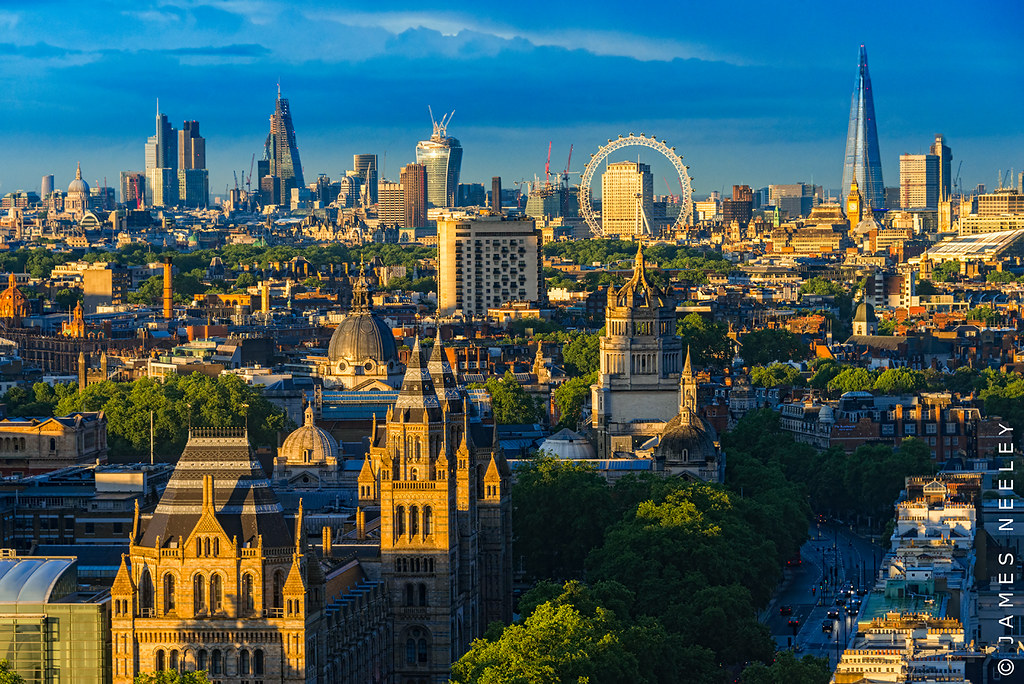 London skyline captured in stunning panoramas which show capital ...