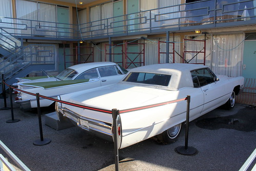 Lorraine Motel / National Civil Rights Museum 1959 Dodge & 1968 Cadillac