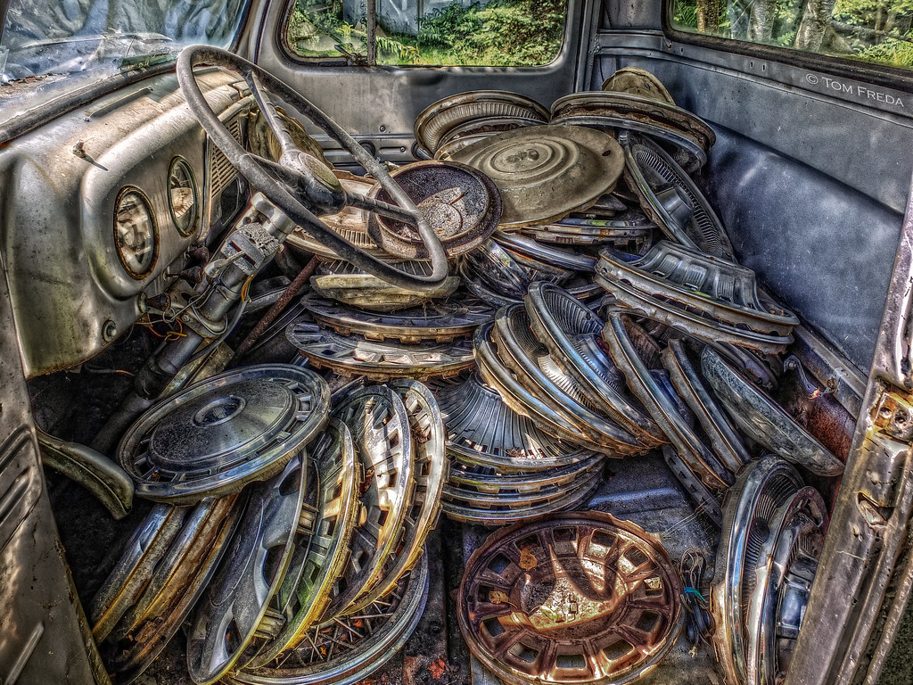 Hubcap Heaven Hubcaps Piled Inside A 1952 Ford F1 Pickup C Flickr