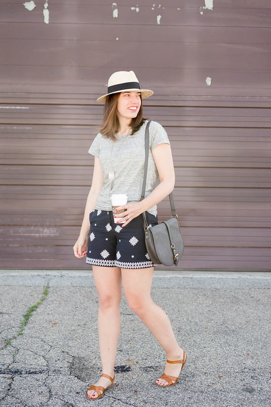 embroidered pattern Loft shorts + gray target tees + sun hat + gray purse | Style On Target