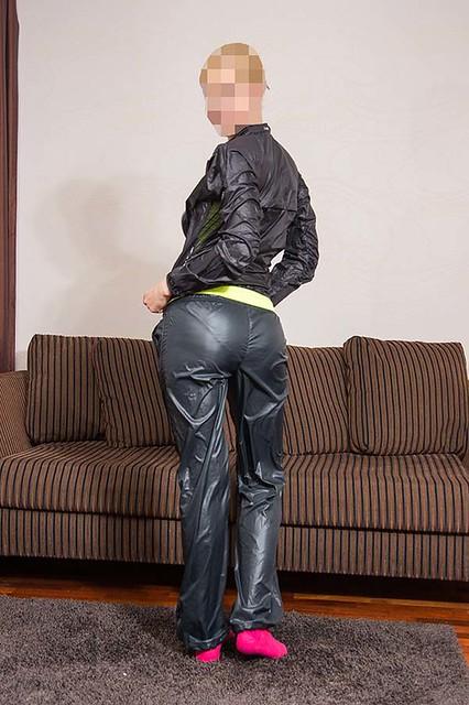 Girls In Swishy Pants  Flickr-1292