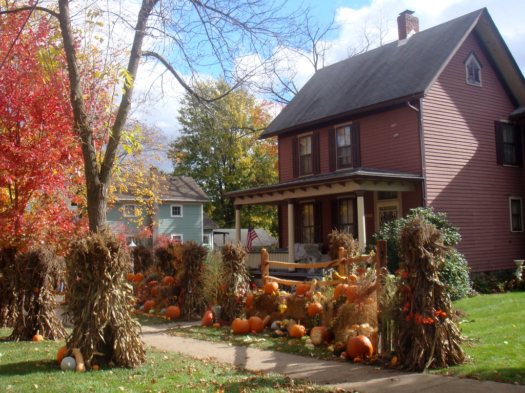 happy halloween | tilson street in romeo michigan goes all o… | flickr