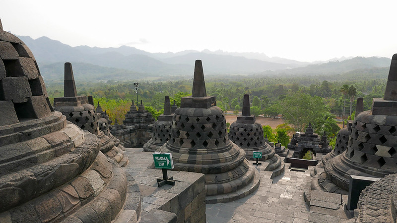 28097894216 f61ecf52e1 c - REVIEW - Mesastila Resort, Central Java (Arum Villa)