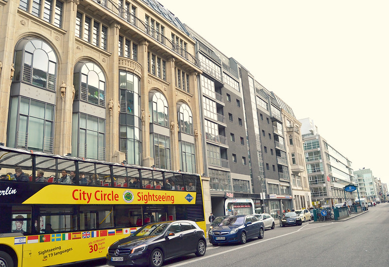 bus amarillo Berlin 2016