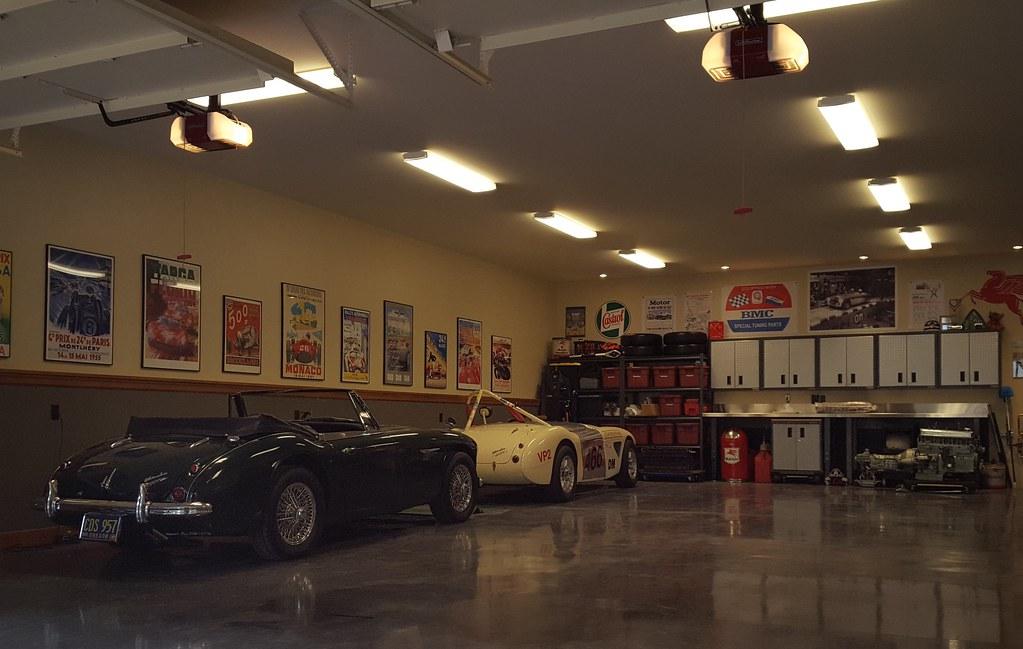 Garage larage bay