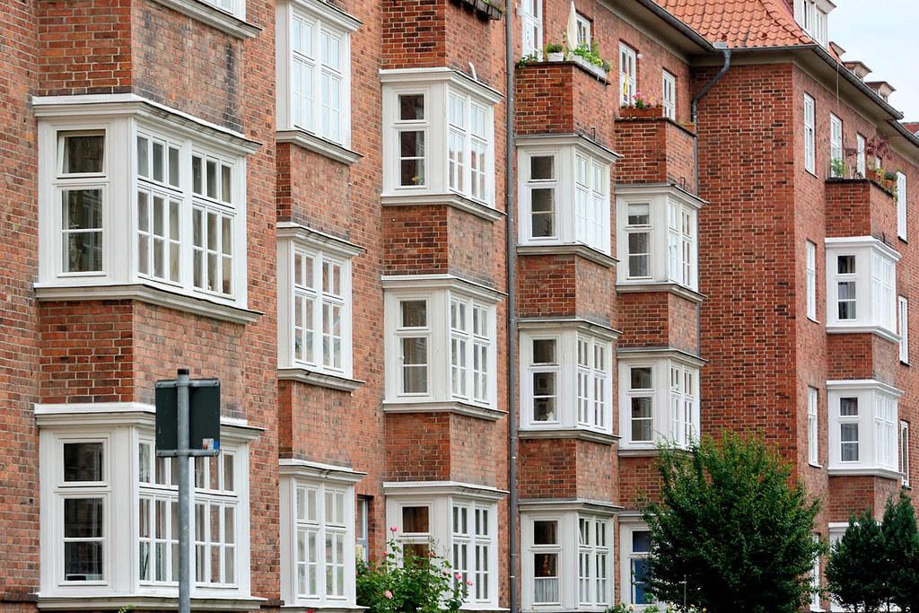 Architektur Lübeck 5272 mehrstöckiger wohnblock ziegelgebäude standerker flickr