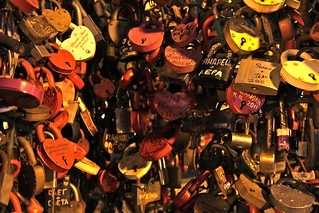lovers locks on Luzhkov Bridge | by jasoneppink