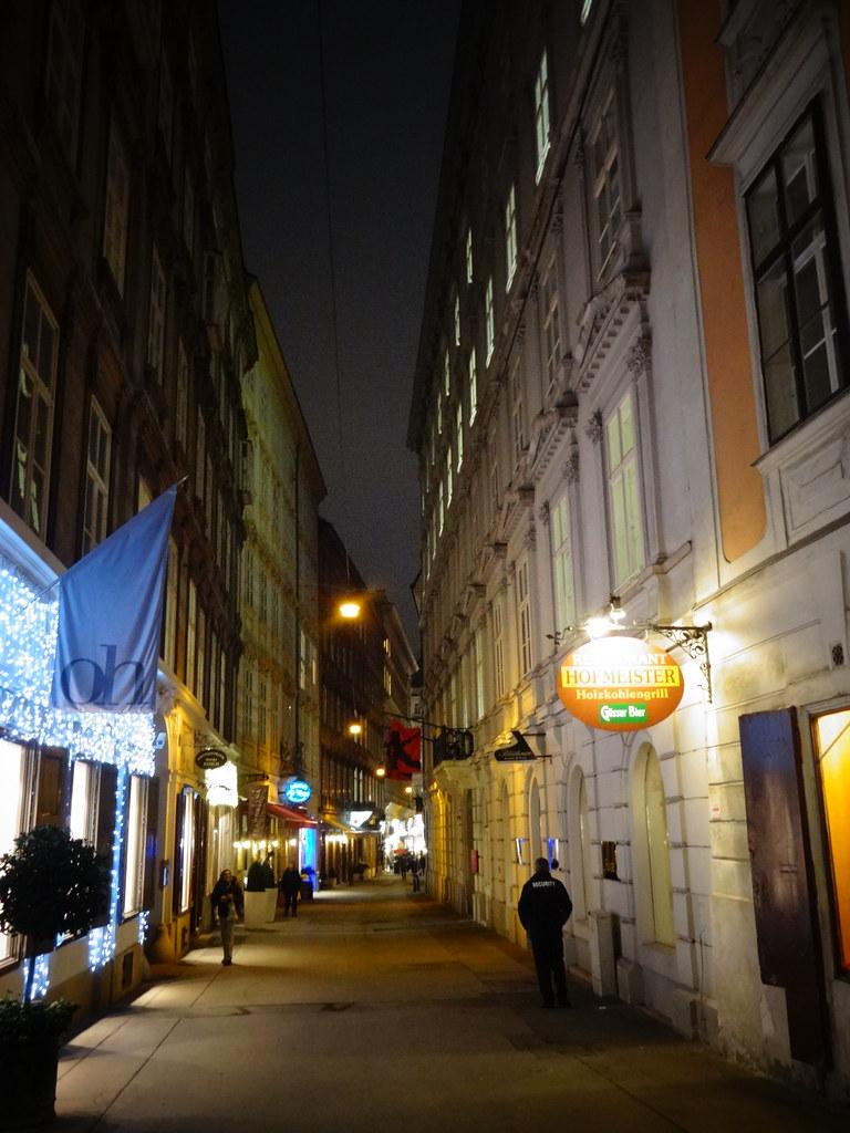 Wien 1 Bezirk Art Of Facades Of Vienna Braunerstrasse Flickr