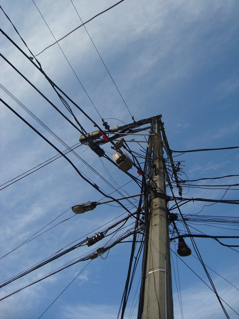utility pole | Lina Velez | Flickr