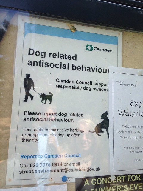 Waterlow Park dog sign