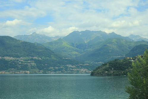 how to get to lake como from milan airport