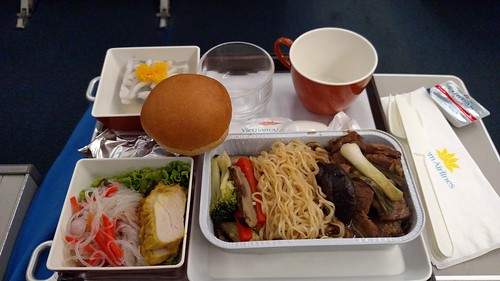 Vietnam Airlines Economy Class Dinner - BKK-HAN | by BertoUCF