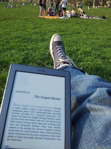 Reading in the park | by André Goerres