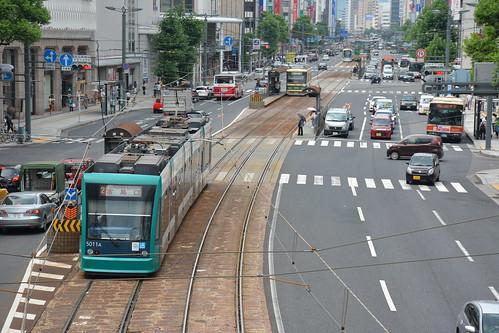 繁華街に路面電車:広島