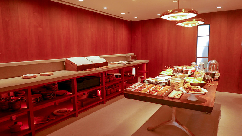 27798886440 3f827f5889 c - REVIEW - Cathay Pacific: The Pier First Class Lounge, Hong Kong (Breakfast service)