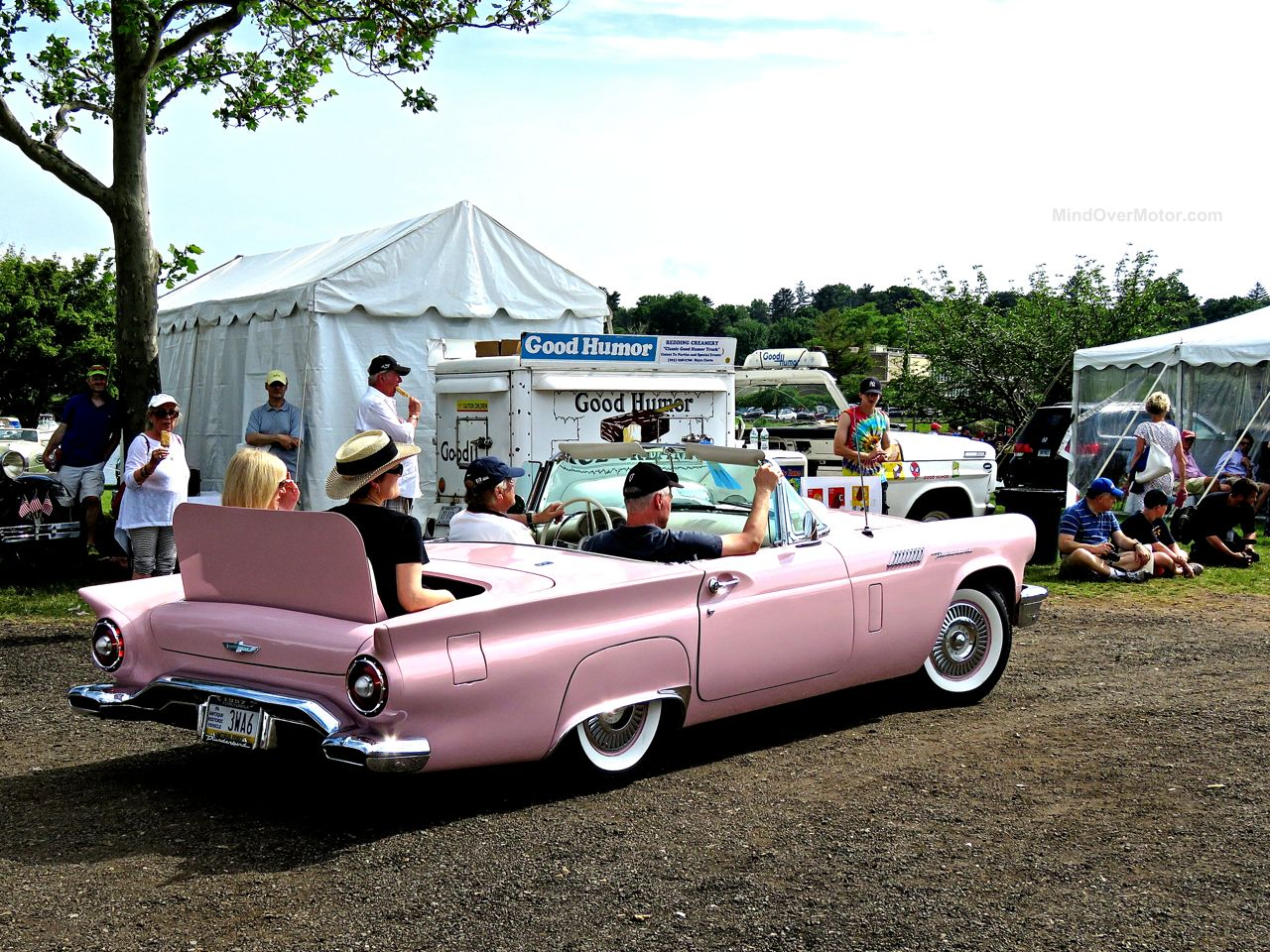 Greenwich Concours 16 Pink Ford T-Bird