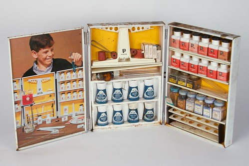 Vintage Chemistry Sets 34 | by oskay