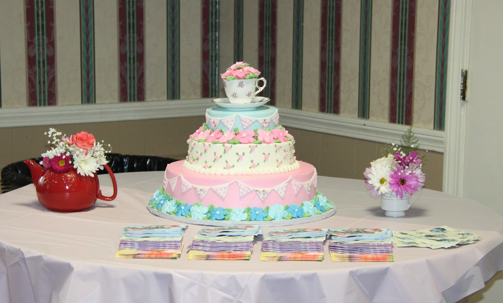 photography bridal shower tea party cake by rachelcphotography