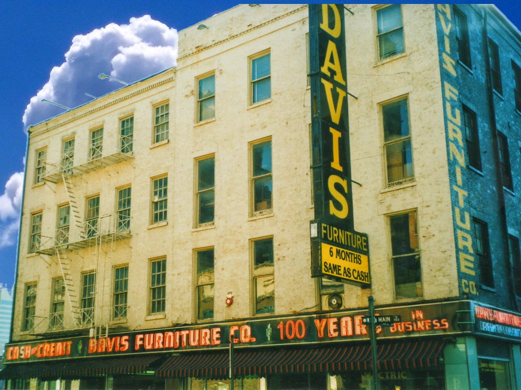 Cincinnati Ohio Over The Rhine District Davis Furnitur Flickr