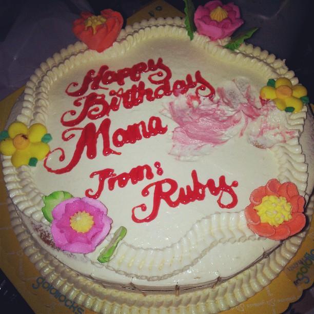 Mamalas Bday Cake Imbes Mama Vicky Nsaup Ang Goldilocks Flickr