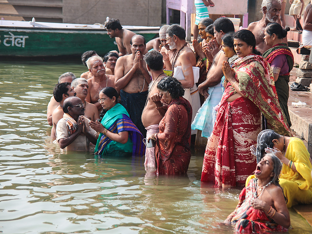 Pictures Indian Women Bathing In Ganga River Video  New -7114