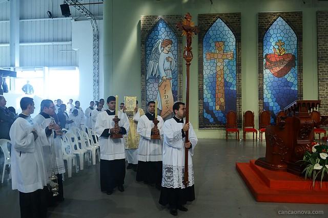 Santa Missa com Monsenhor Jonas Abib