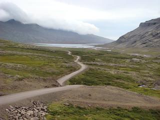 028 Parkeerplaats weg 939 uitzicht op Berufjörður