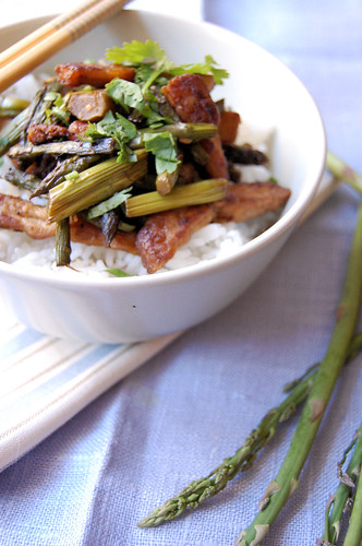 "vegan ""chicken"" and asparagus stir fry 