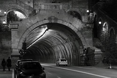 Mcmvii galleria sandrinelli trieste costruita tra il for Mobilia trieste piazza sansovino
