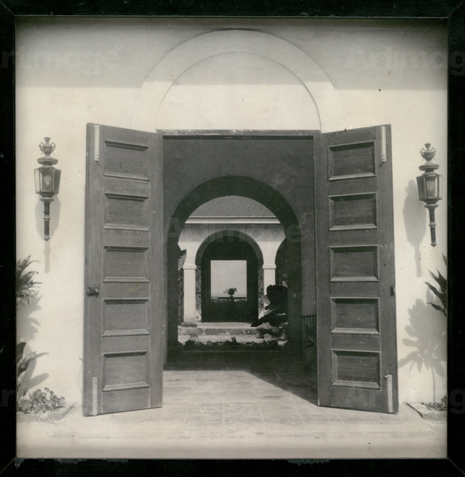 16g04 Photograph of house owned by Peter Lacy, Barbados, c. 1950s Francis Bacon Uti 465