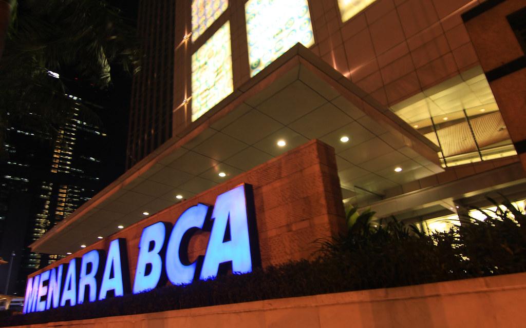 Caplok Dua Bank Kecil, BCA Tak Perlu Merger Anak Usaha Bank?