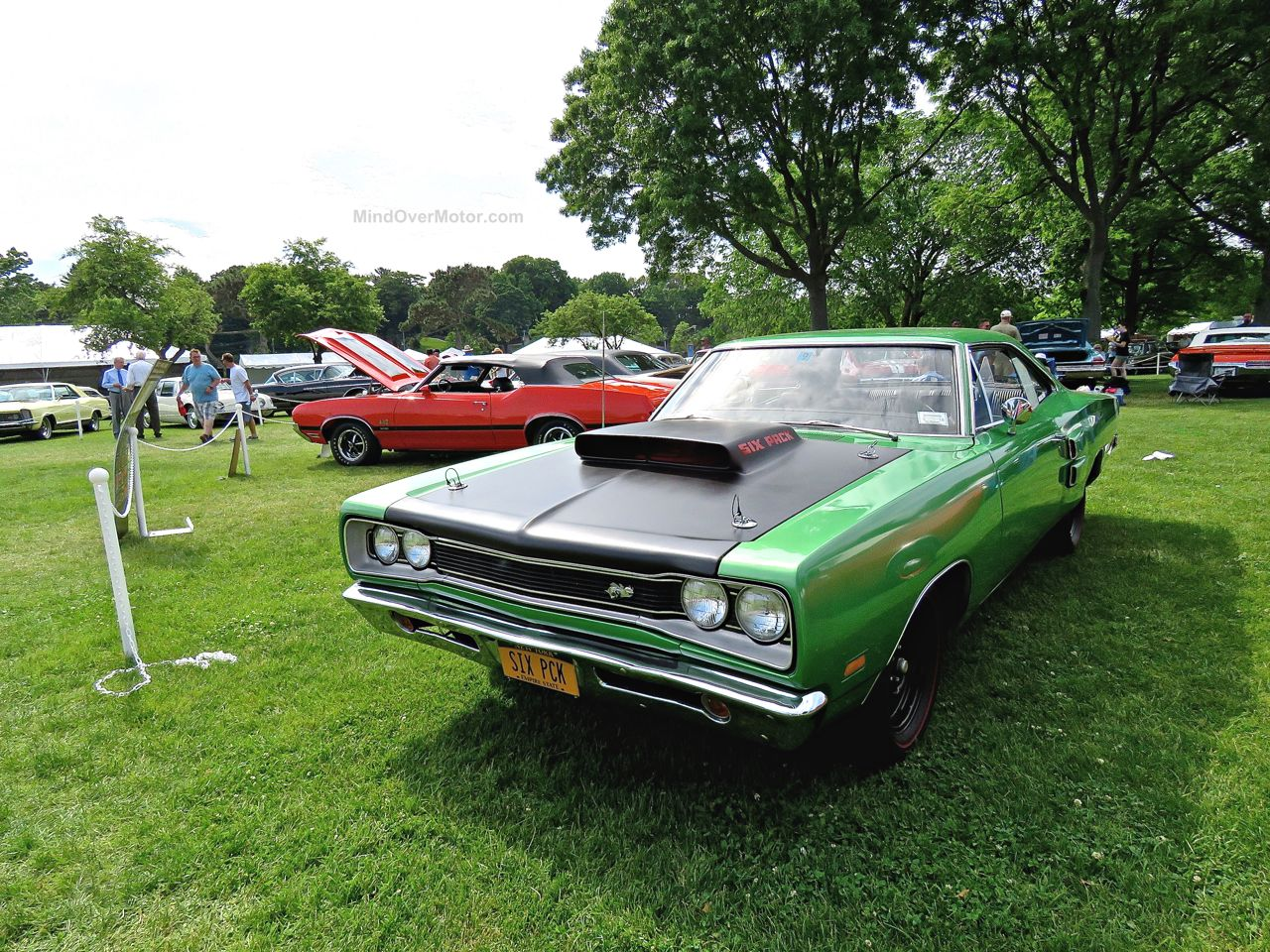 Greenwich Concours 16 Plymouth Roadrunner Super Bee