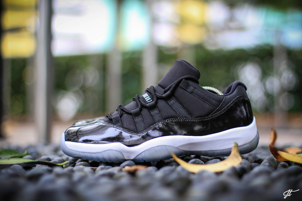 air jordan xi space jam low top