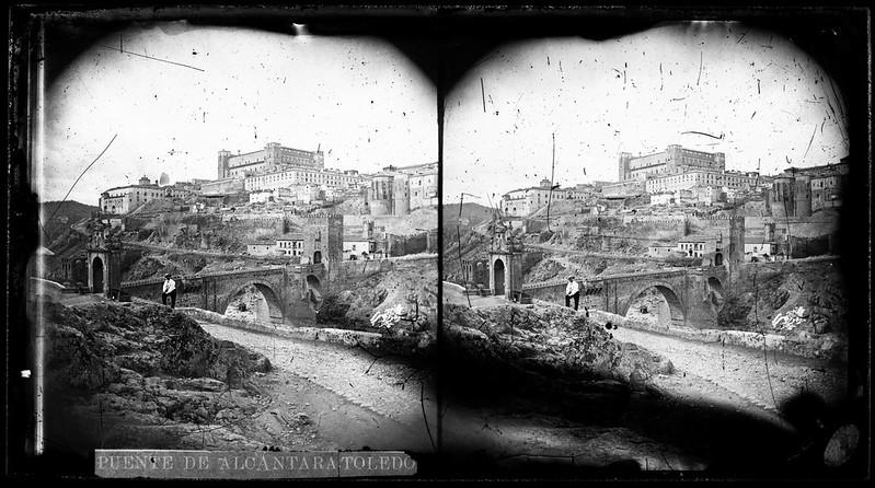 Puente de Alcántara de Toledo hacia 1864. Fotografía de Alfonso Begue © Fondo Rodríguez, Archivo Histórico Provincial, Junta de Comunidades de C-LM