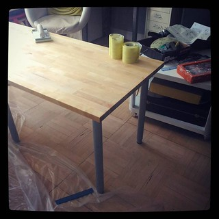 New working table: IKEA legs + birch solid wood countertop, sanded and treated, #kuzzzmahomesweethome