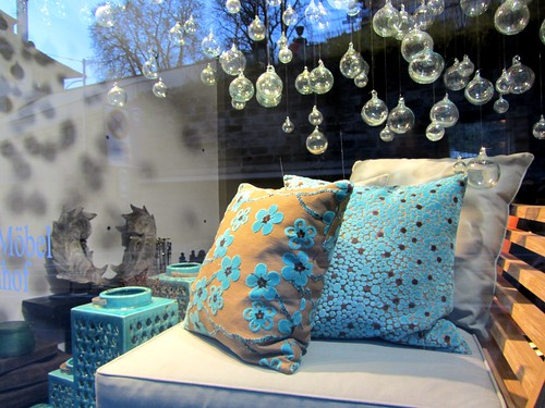 liked the pillows and color | by N♥tt