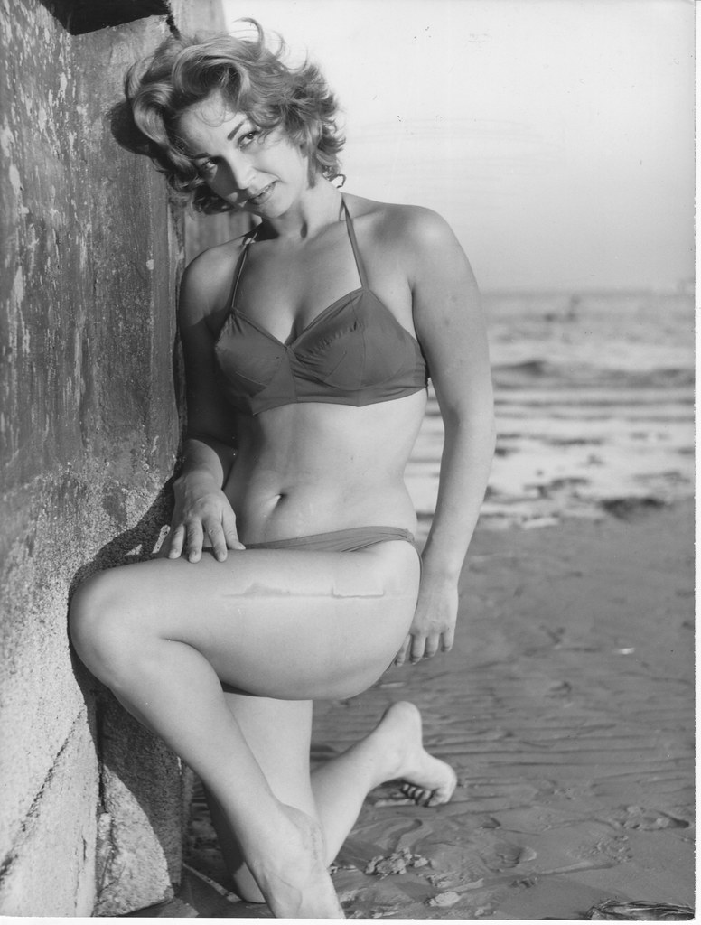 Mary Jane Higby Erotic pictures Megan McTavish,Sophie Nelisse