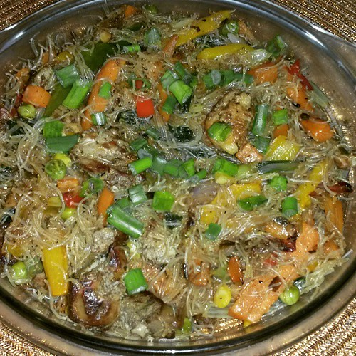 #colorful #pancit #bihon #guisado. Happy Friday the 13th! #chefshirley #home #cooking #pinoy #food | by shibytes