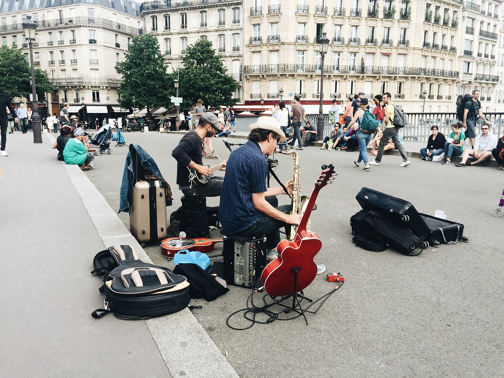 Paris 2016 buskers street music