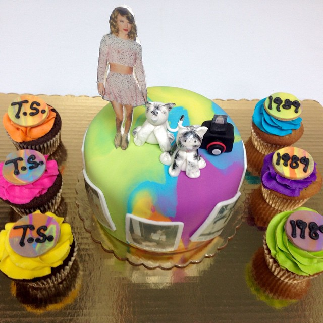 Taylorswift Birthday Cake And Cupcakes Ts 1989 80s Flickr