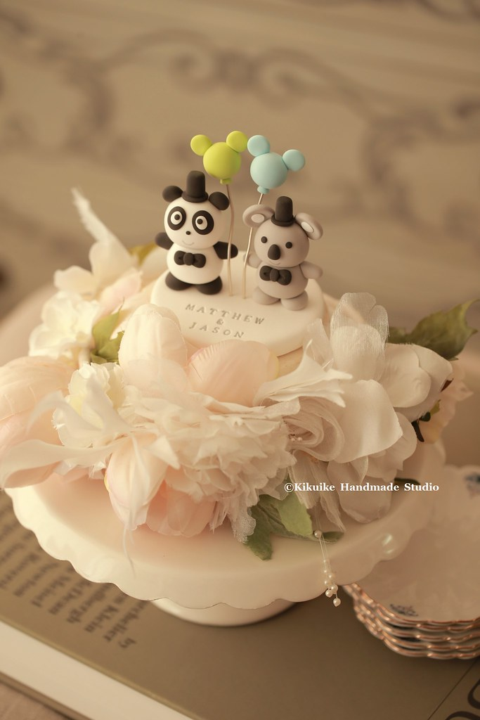 Love panda and koala wedding cake topper | www.etsy.com/shop… | Flickr