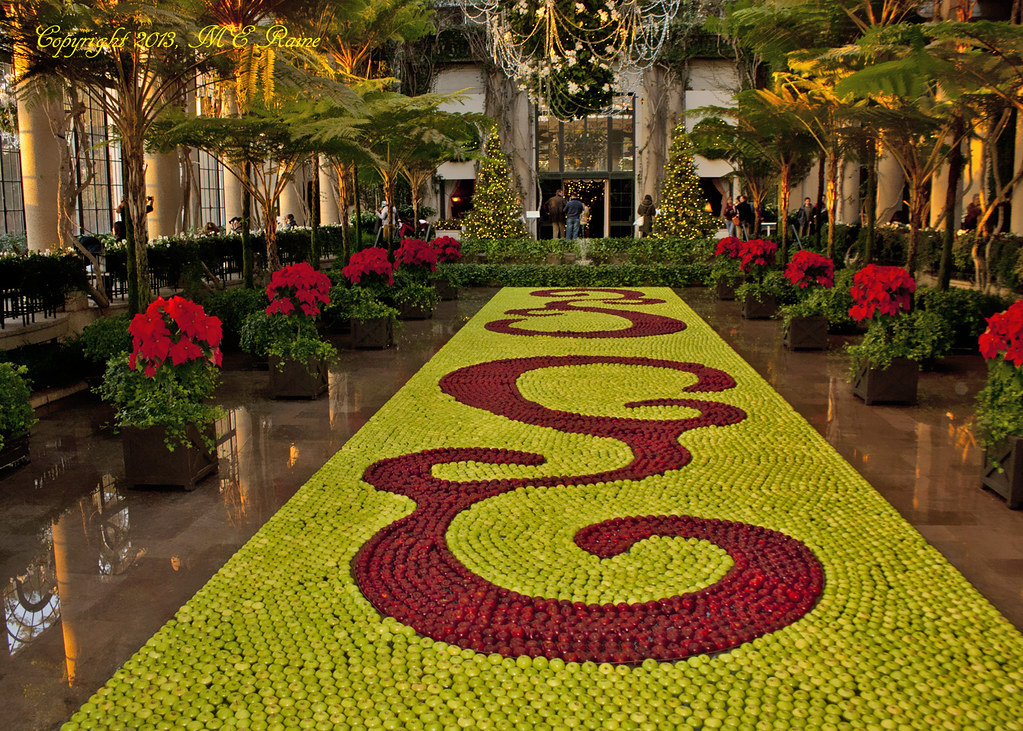 ... Christmas 2013 Festivities (FLOATING APPLE Tapestry, 6 Of 6) At Longwood  Gardens Of