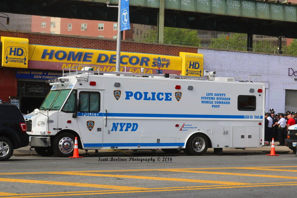... NYPD LIFE SAFETY SYSTEMS DIVISION COMMAND POST - 7049   by FDNYSQUAD