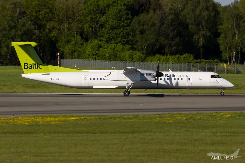Air Baltic - DH8D - YL-BBT (1)