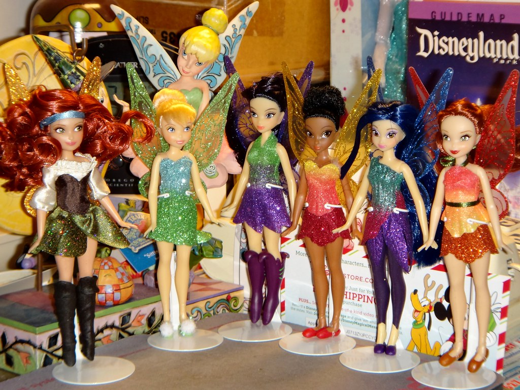 My Desktop Disney Doll Display