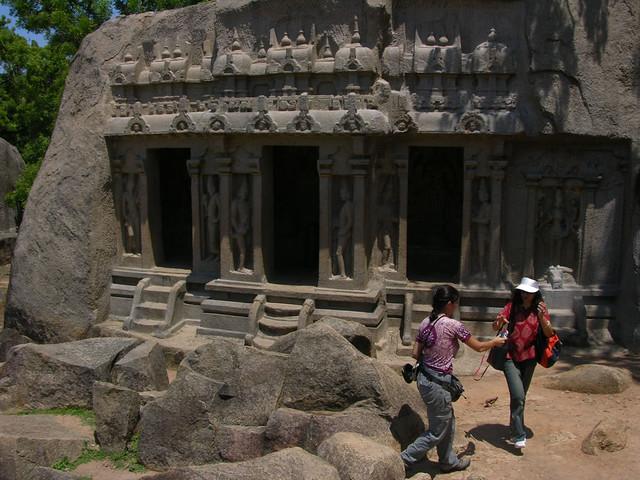 Trimurti Mandapam