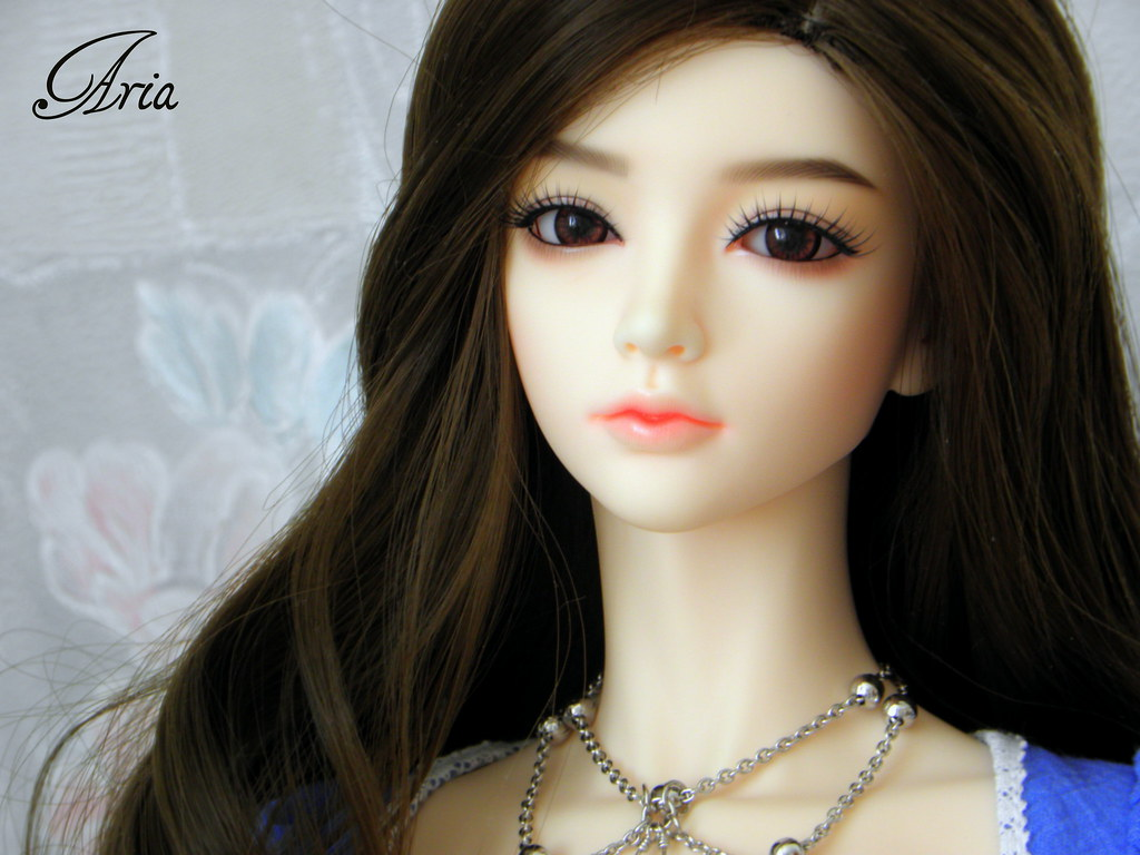 Beautiful Doll Wallpapers 2014