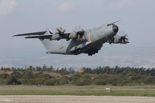 RAF A400M Atlas Aircraft Taking Off | A Royal Air Force ...