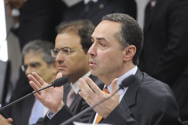 Presidente do TSE suspende sanções a quem não votou nas eleições de 2020